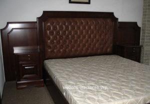 кровать под заказ в Киеве с высоким изголовьем
