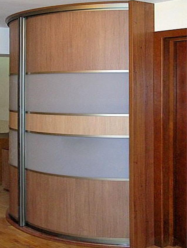 Большой радиунсый шкаф в гостиную на заказ Вишневое