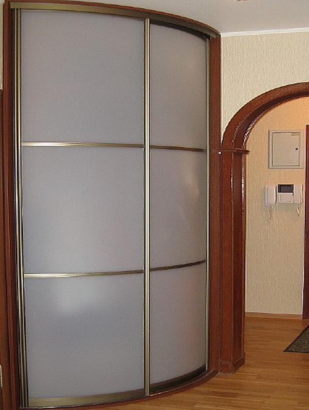 радиусный шкаф в гостиницу