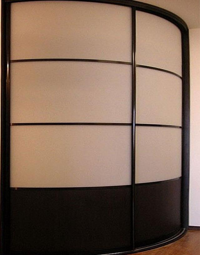 радиусный шкаф в коридор