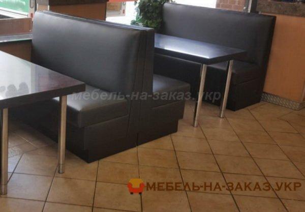 заказать черные диваны в ресторан