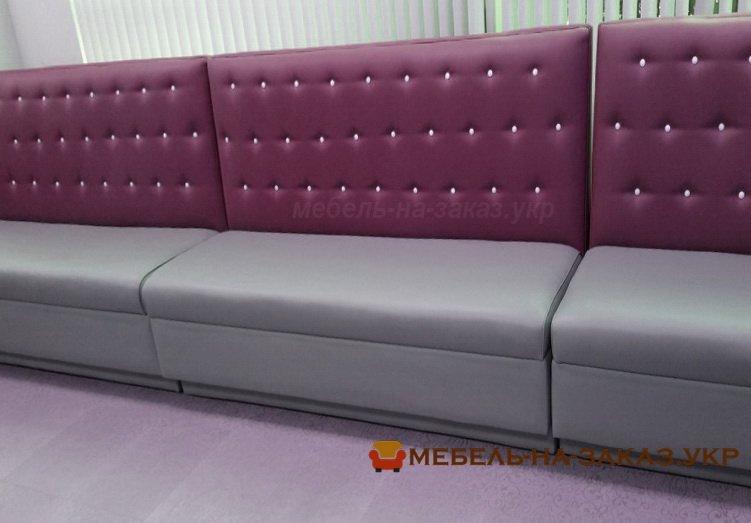 сиреневый диван на заказ для кафе