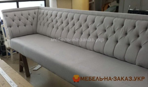 производство диванов в кафе