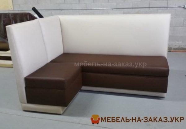 где заткать диван в кафе в Киеве