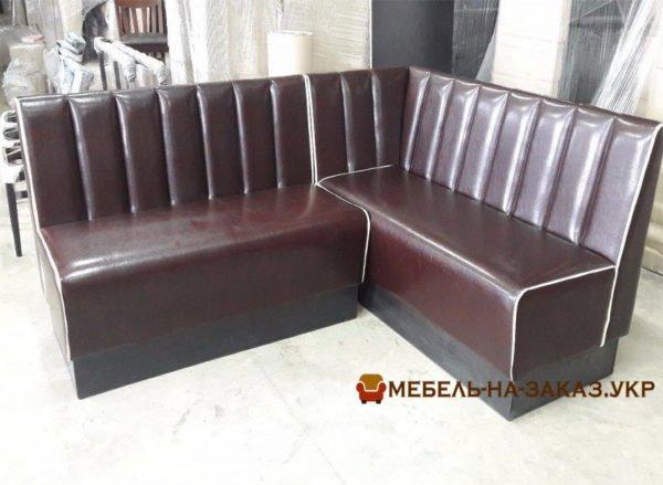 модульный угловой диван в кафе