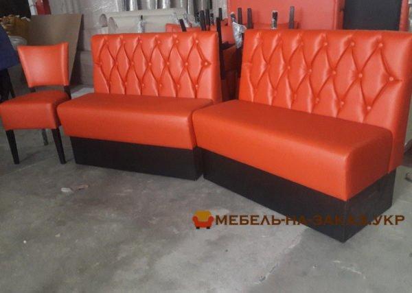 оранжевые диваны для кафе