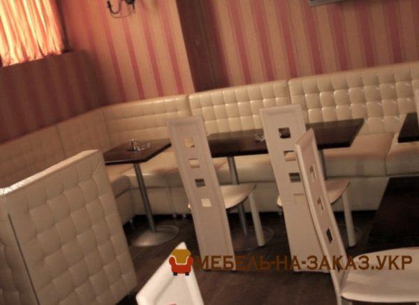 заказные диваны в кафе