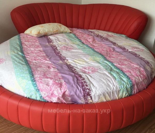 большая круглая кровать красного цвета под заказ в Киеве