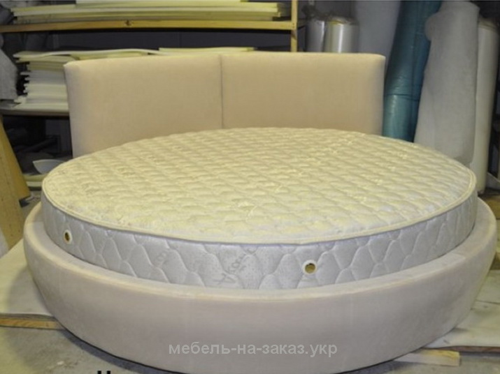 элитная круглая кровать белого цвета на заказ