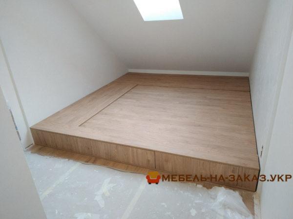 кровать подиум из дерева Киев