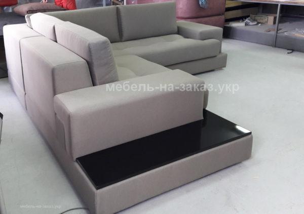 большой умный диван
