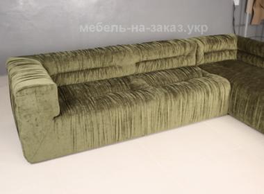 прямой светлозеленый диван