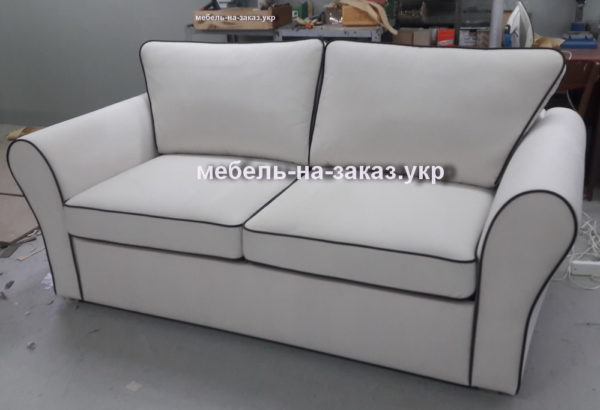белый диван с креслом