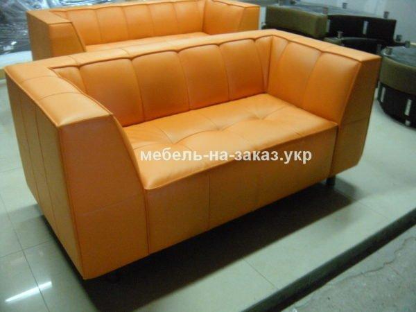 желтый диван для кафе
