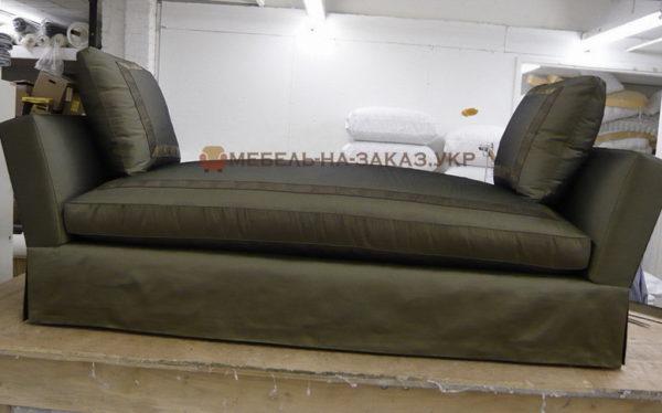 прямой диван без спинки