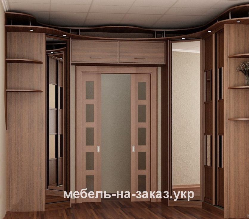 прихожая с деревянными фасадами на заказ
