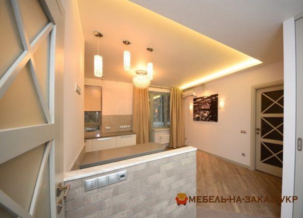 кухня с белыми мдф фасадми