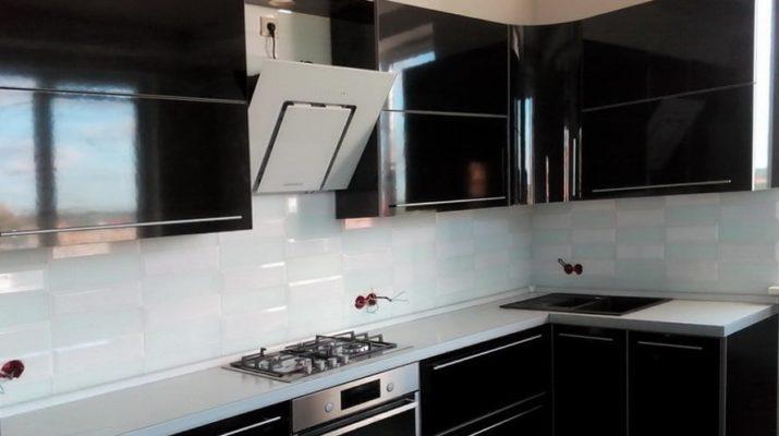 угловая черная кухня мдф на заказ