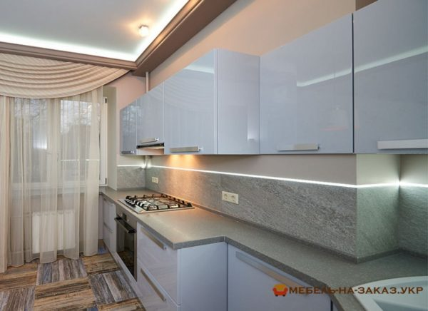 кухня с голубыми фасадами на заказ в Киеве