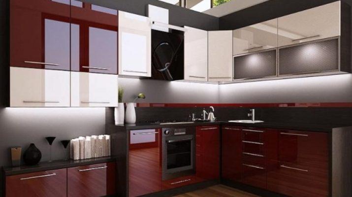 темно красная с белым кухня