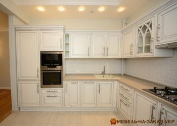 угловая классическая кухня Троещина