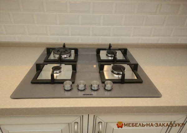 классическая белая кухня Туполева