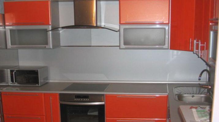 темно оранжевый цвет кухонной мебели
