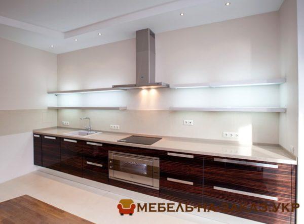 Прямая кухня встроенная с подсветкой
