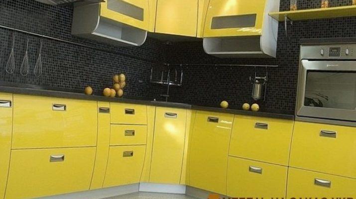 угловая желтая кухня глянец