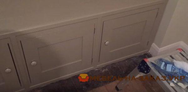 деревянная встроенный мебель в эркер