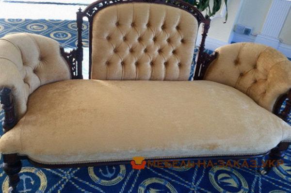 авторский диван в коридор
