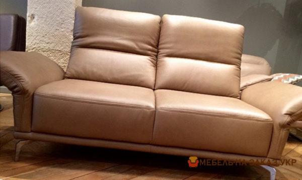 кожаный прямой диван в Киеве