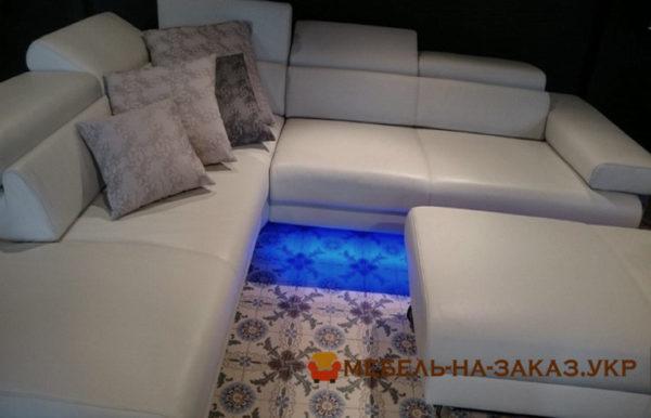 диван с подсветкой на заказ с пуфиком