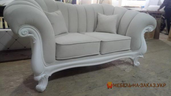 прямые диваны на заказ классические
