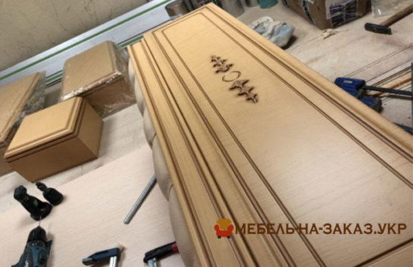 изготовление деревянного шкафа в классическом стиле