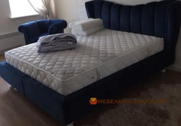 большая кровать авторская синяя