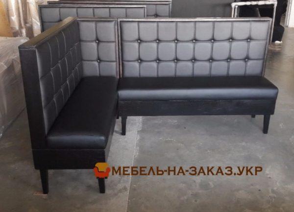 угловая мягкая модульная мебель в кафе