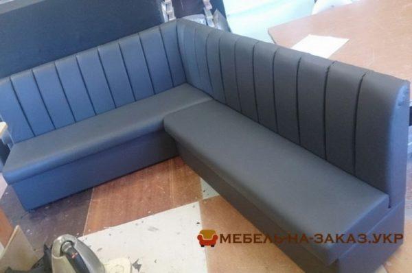 угловой модульный диван в ресторан