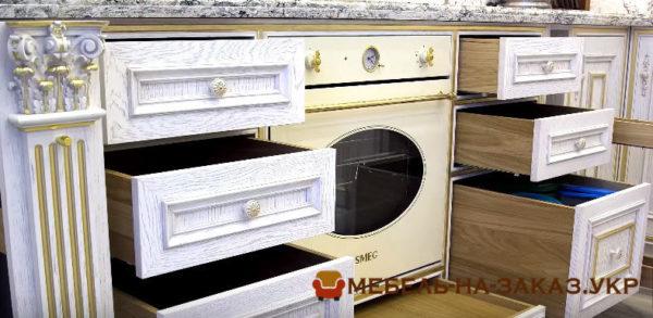 ящики деревянной классической кухни