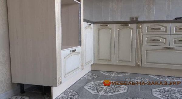 деревянная кухня в классическом стиле на заказ