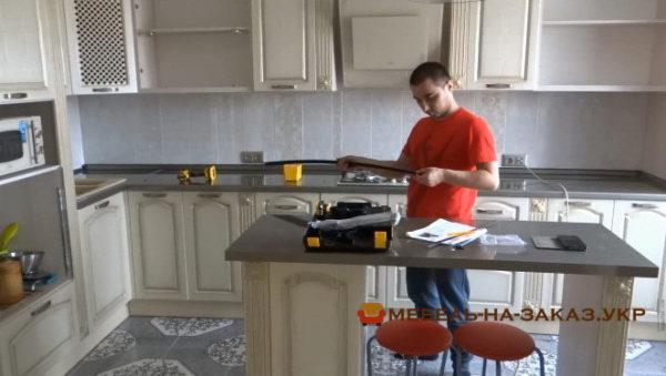 производство кухни из сосны в Киеве