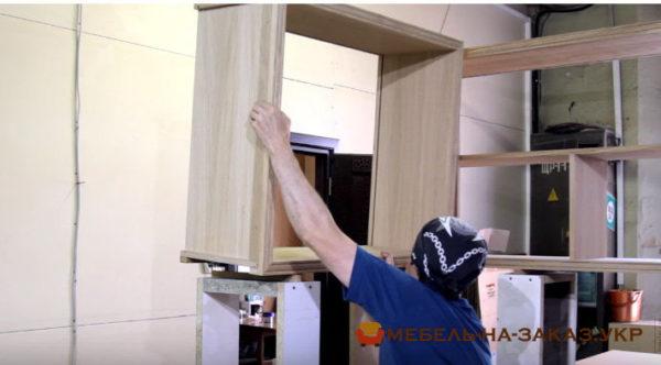 установка кухонной мебели из сосны