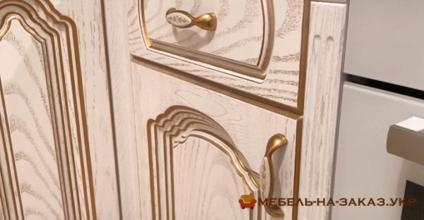 фасады кухонной мебели из сосны