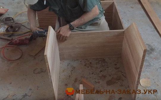сборка кухонной мебели из фанеры ореха