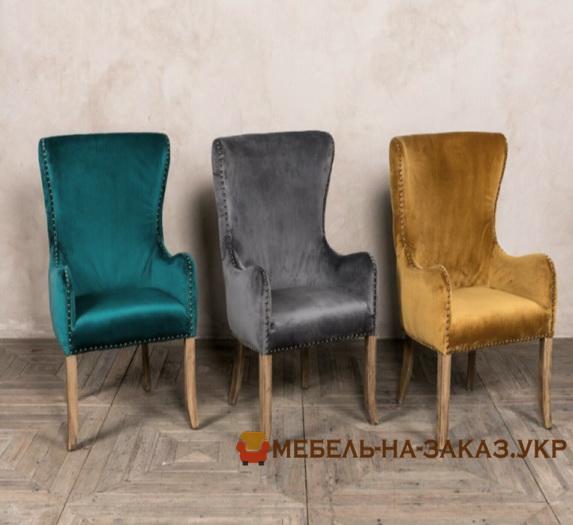 разноцветные стулья на закза