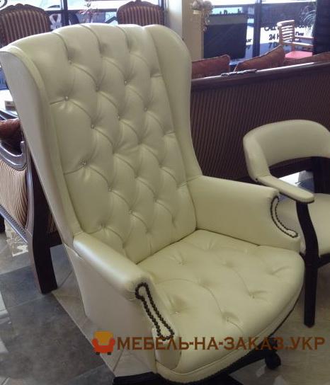 кресло белое честер с высокой спинкой