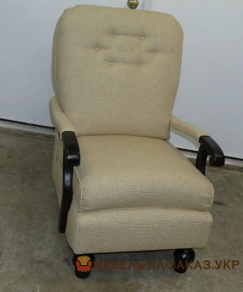 бежевый стул