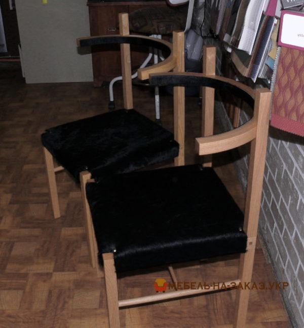 черные стулья