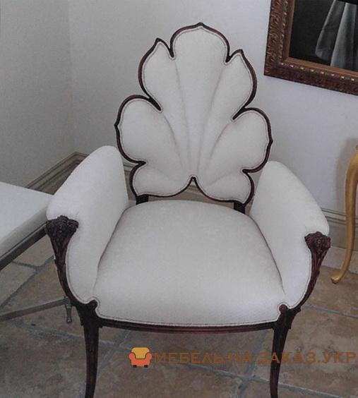 стул со спинкой-липесток