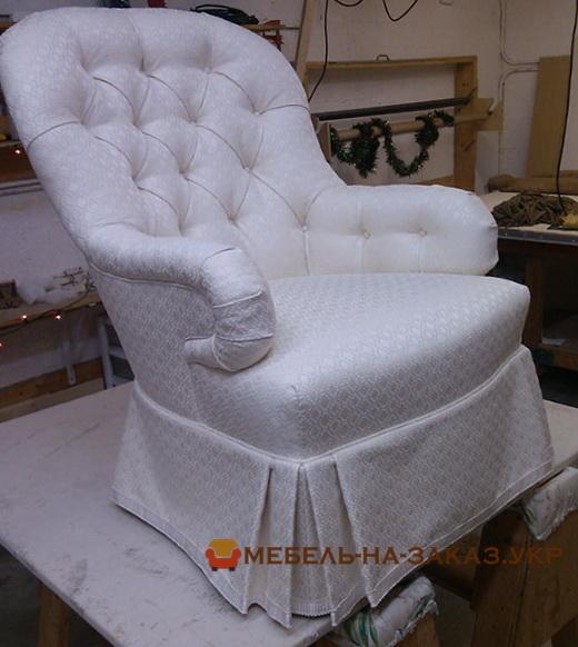 белый стул-кресло